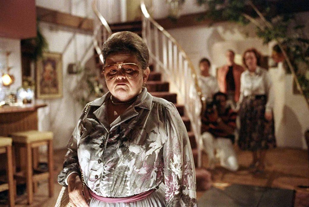 Zelda Rubinstein as Tangina, a psychic medium in Poltergeist.